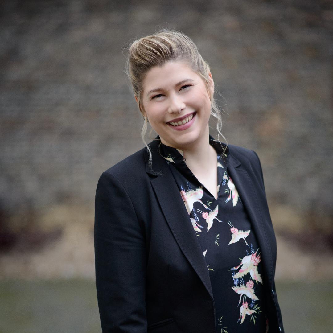 Dr-Sarah-Weber01